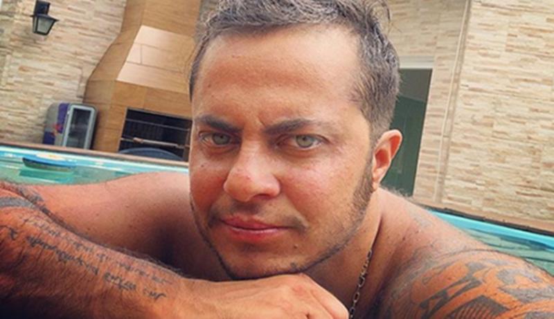 Sem camisa, Thammy Miranda mostra peitoral peludo em foto e recebe elogios
