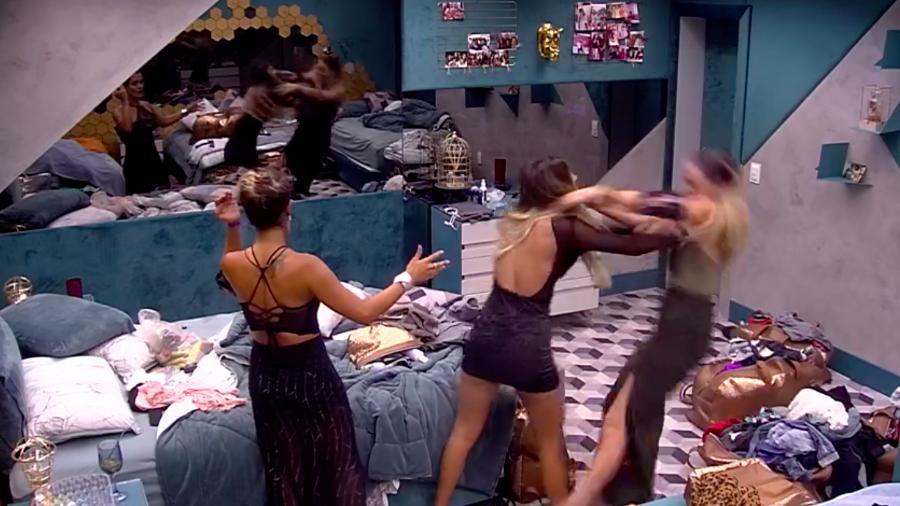 """BBB19: Após bate-boca, Hariany agride Paula e teme ser expulsa do reality: """"eu nunca tive amiga"""""""