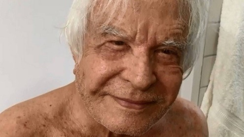 """Aos 91 anos, Cid Moreira garante que tem um bom desempenho na cama: """"Nunca precisei de Viagra"""""""