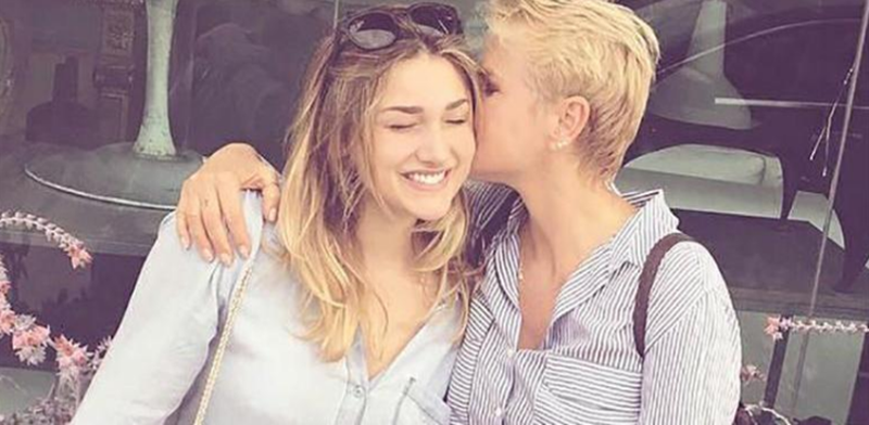 """Sasha Meneghel recebe apoio da mãe após término do namoro com ator: """"Meu anjo lindo"""""""