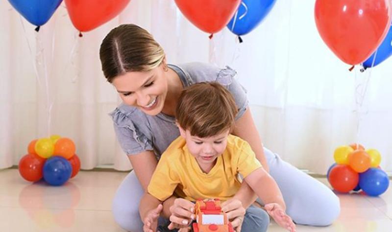 """Andressa Suita festeja dois anos do filho, Gabriel: """"Mamãe te ama"""""""