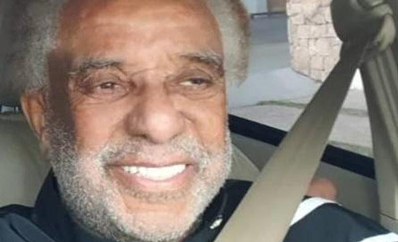 Cantor Agnaldo Timóteo tem alta de hospital após quase dois meses internado