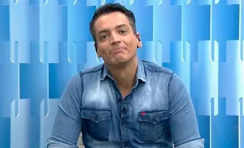 """Léo Dias rebate críticas em rede social e faz desabafo: """"Meus dias aqui estão contados"""""""