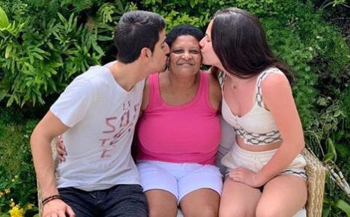 Após anunciar morte de ex-babá dos filhos, Claudia Raia é acusada de contaminar profissional