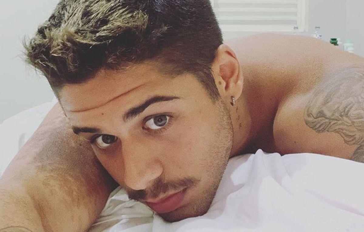 """Zé Felipe recebe comentário engraçado de fã após postar foto em rede social: """"Tua mãe te vende?"""""""