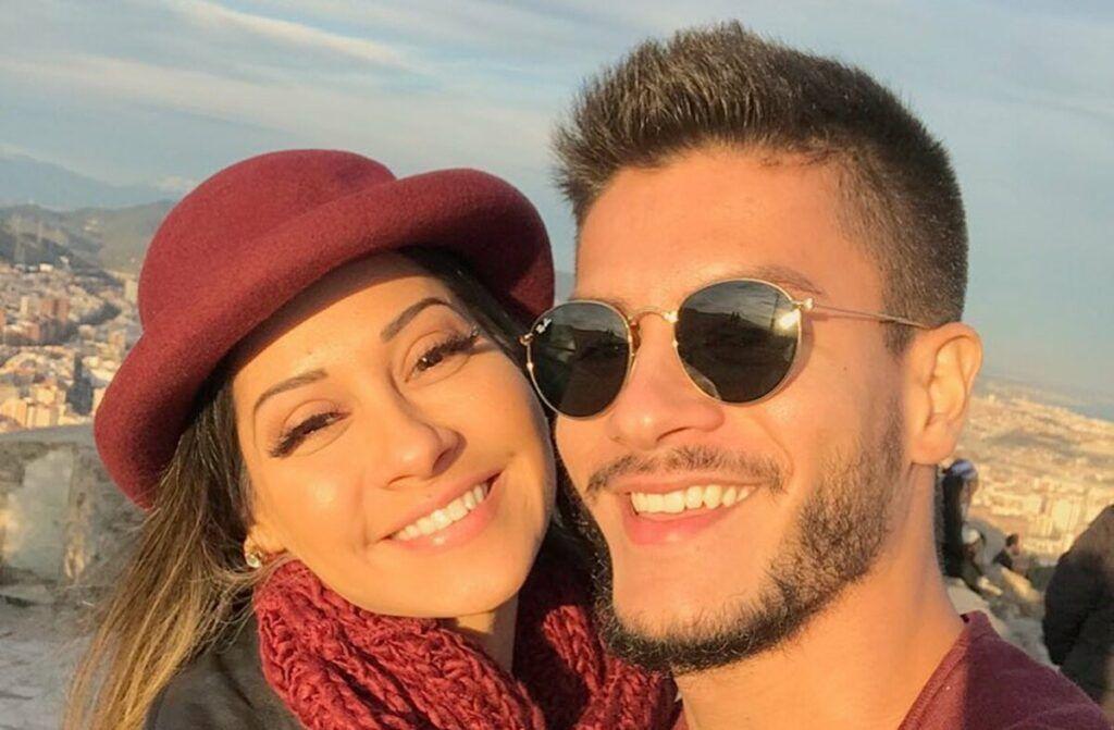 """Mayra Cardi abre o jogo sobre relacionamento abusivo com Arthur Aguiar: """"Nunca me amou"""""""