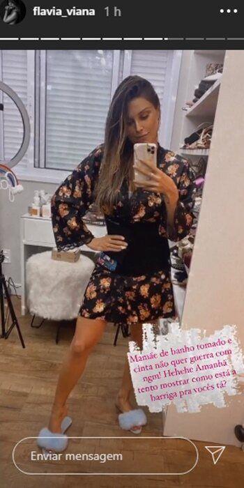 Flávia Viana impressiona com boa forma 7 dias após o nascimento do primeiro filho, Gabriel