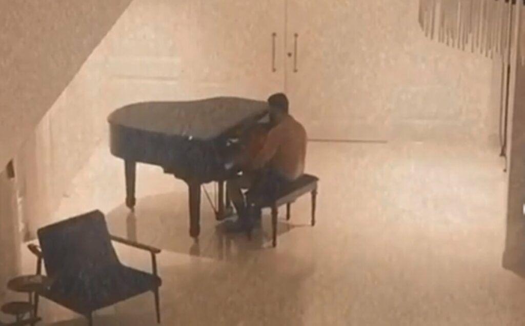"""Andressa Suita mostra Gusttavo Lima tocando piano com os filhos: """"Vão sentir falta"""""""
