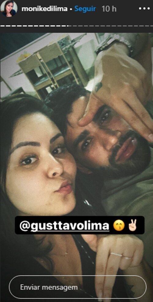 Solteiro, Gusttavo Lima se reúne com morena e amigos no final de semana