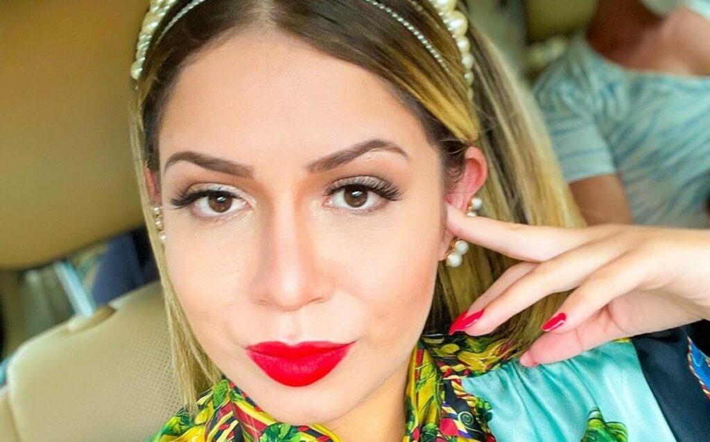 Marília Mendonça sofre três queimaduras no rosto por causa de chapinha
