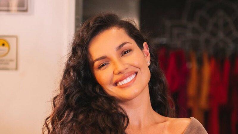 """Juliette confessa que já beijou após reality show: """"Não vou dizer quem"""""""