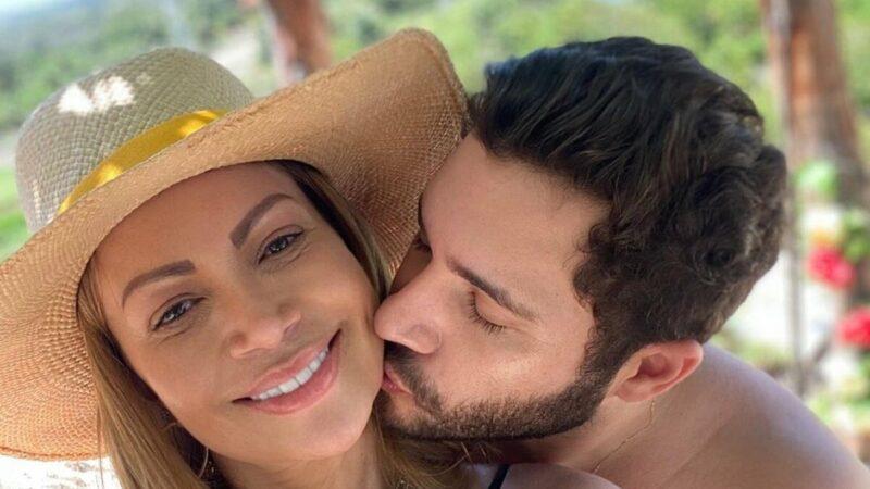 """Solange Almeida revela casamento secreto com Monilton Moura: """"Estou muito feliz"""""""