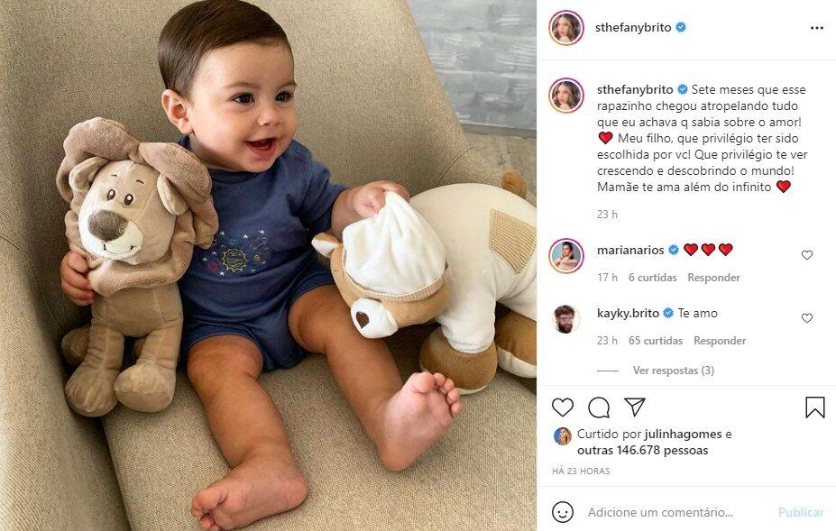 """Sthefany Brito celebra sete meses do filho, Antônio Enrico: """"Mamãe te ama"""""""