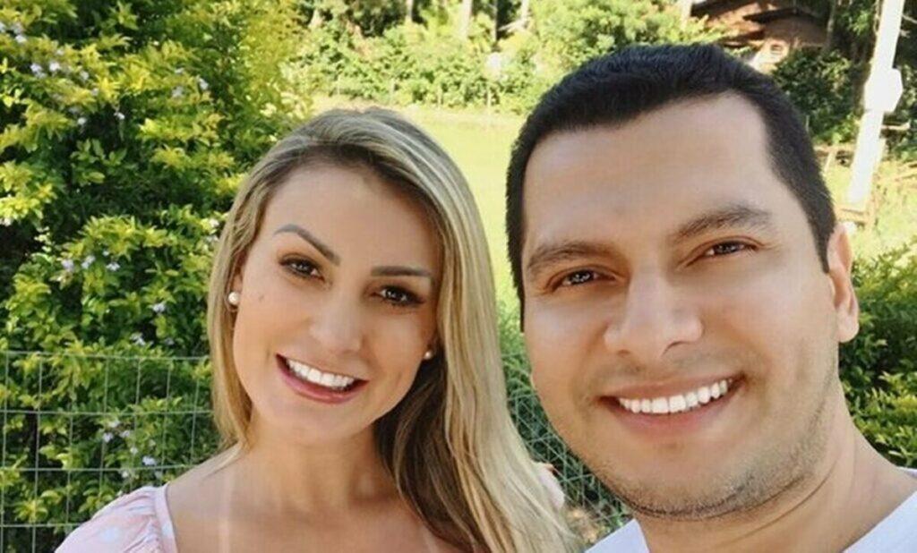 """Andressa Urach diz que ex-marido se arrependeu de ter a abandonado grávida: """"Vai cuidar de mim e do bebê"""""""